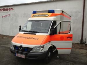 Versand des ersten Krankenwagen von Bremen nach Syrien am 11.01.2013 Organisiert durch DSF e.V.